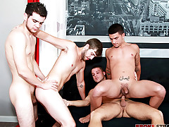 Hook-up w Vadim, Brandon, Zeno, Blake